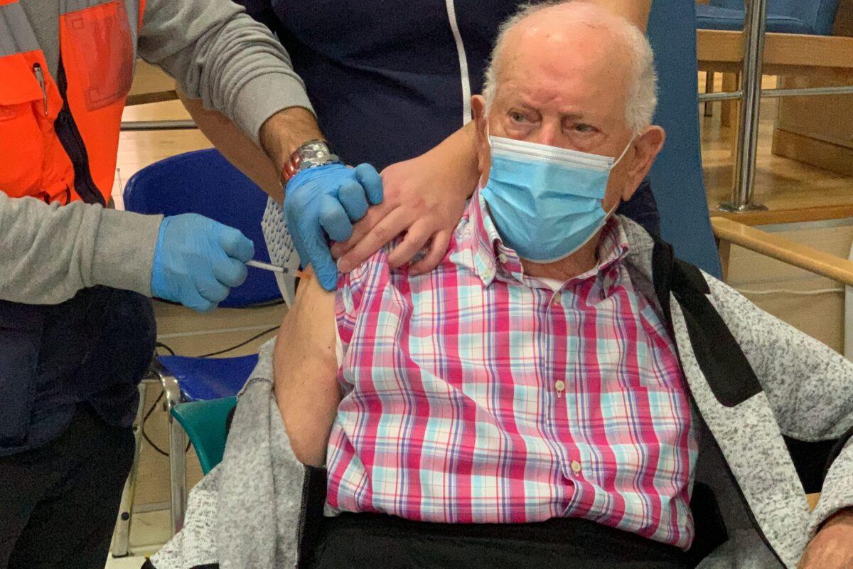 El centro de día Mediterráneo de Maracena, el primero en recibir la vacuna del distrito metropolitano