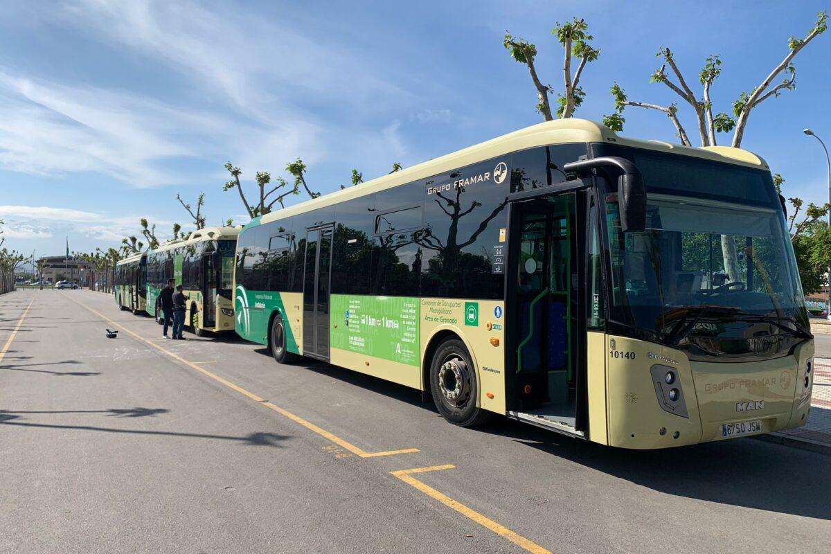 Llega un autobús híbrido para la línea de Maracena, Albolote y Atarfe