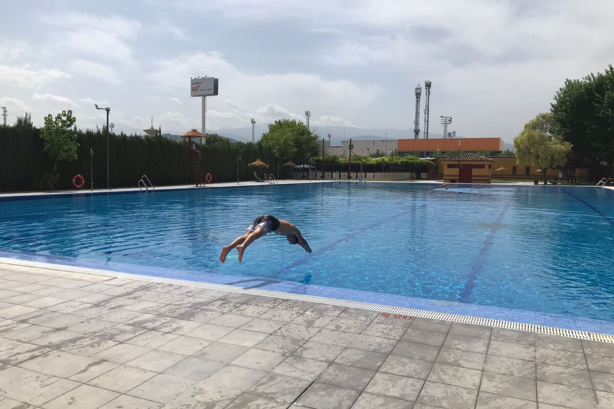 La piscina de Maracena abre sus puertas con todas las medidas de seguridad