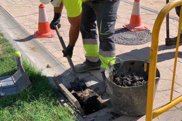 El Ayuntamiento de Maracena y Aguasvira realiza la segunda campaña anual de limpieza preventiva de imbornales